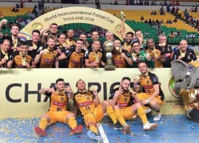 حضور پرتعداد ایرانی ها در فینال جام باشگاه های فوتسال دنیا، اهدای جوایز توسط کفاشیان